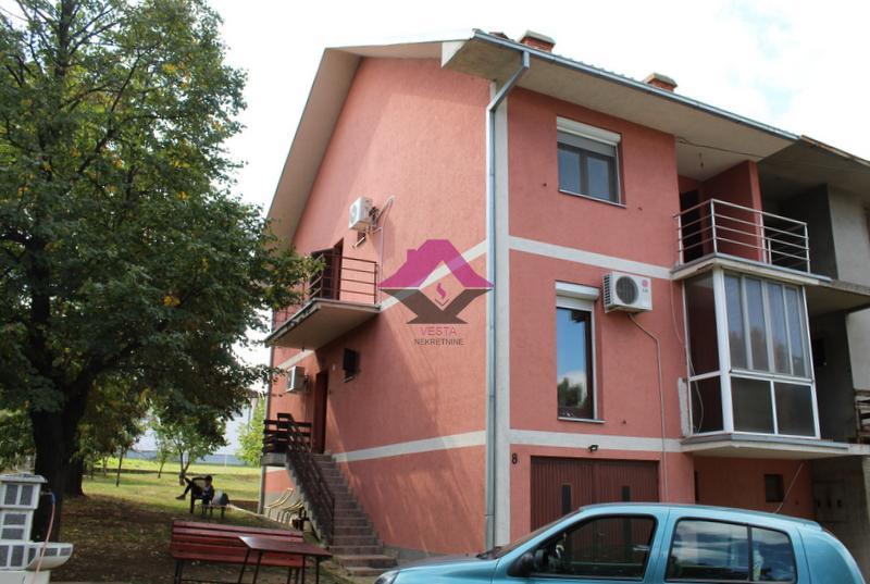 Velika Moštanica, kuća 200m2 sa garažom, po+pr+1+t